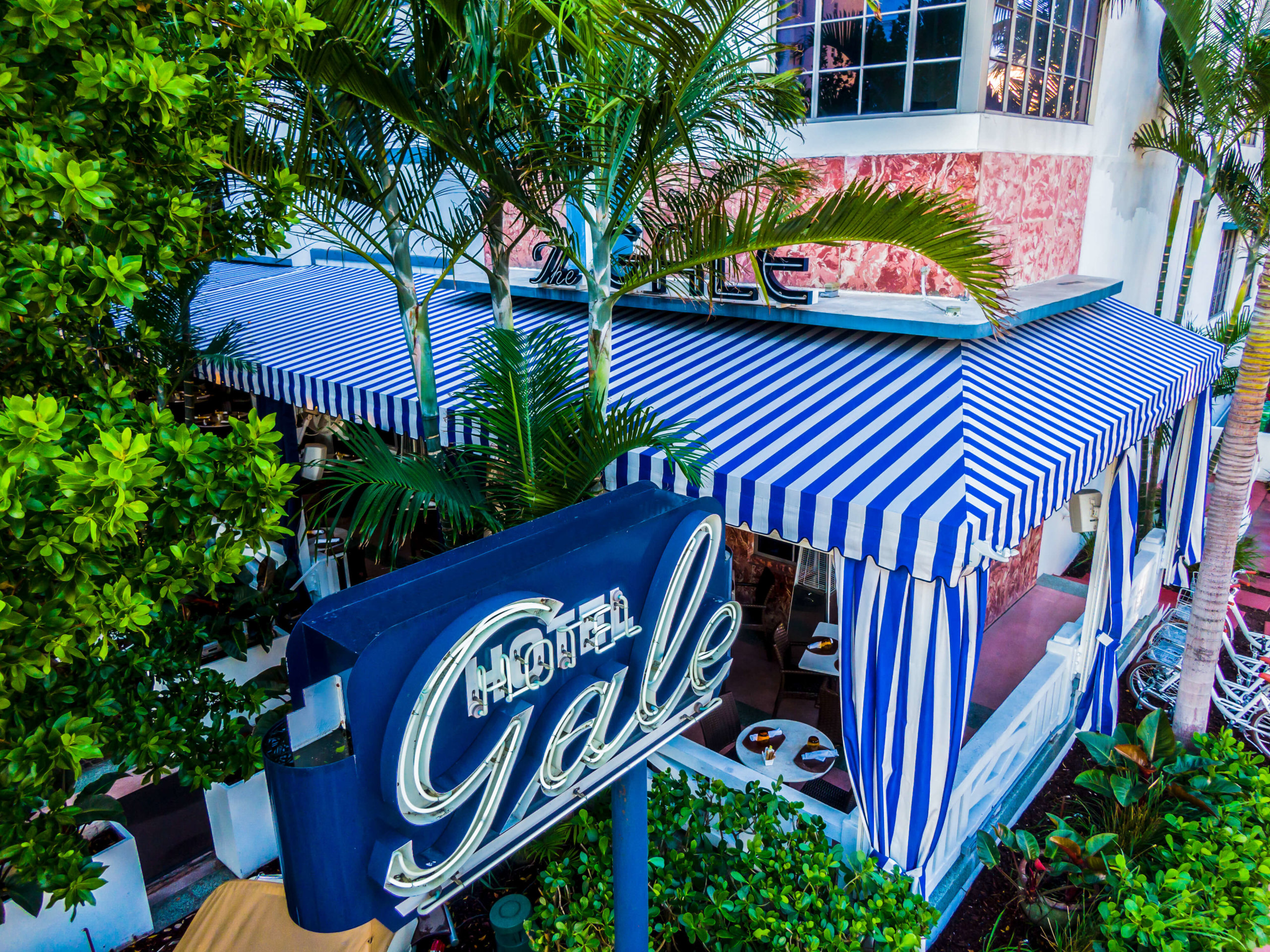 Gale Hotel - Custom awnings